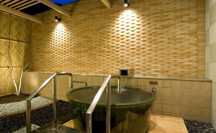 露天風呂付客室で旅の癒しを